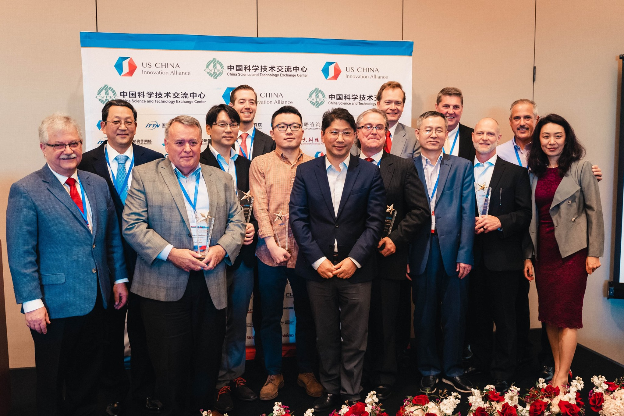 ETV CEO Cliff Hudson (second from left; front row) at the InnoSTARS Houston Competition. Photo courtesy of the US-China Innovation Alliance.